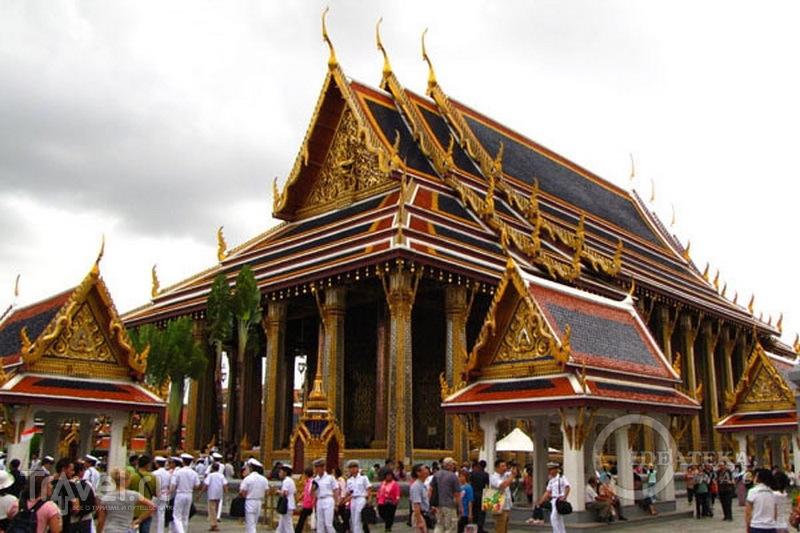 Храм Изумрудного Будды в Бангкоке  / Фото из Таиланда