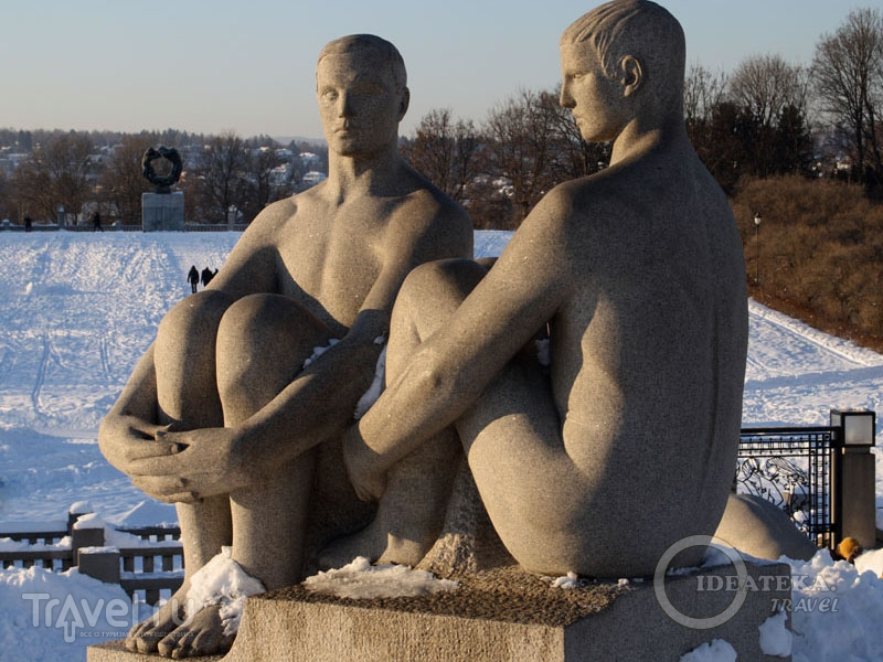 Скульптуры в парке Вигеланда, Осло / Фото из Норвегии