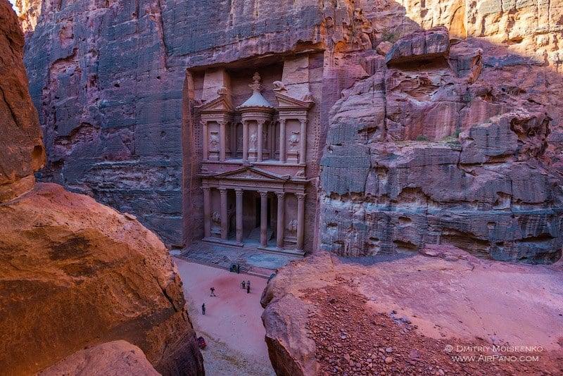 Сокровищница Фараона / Фото из Иордании