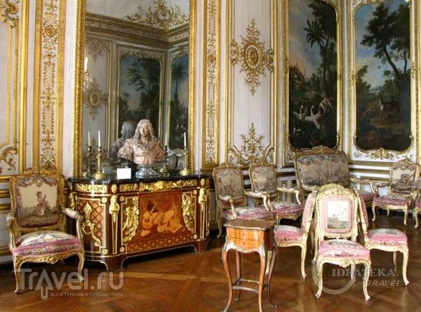 Комната в замке Шантийи / Фото из Франции