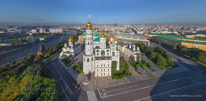 Колокольня Иван Великий / Фото из России