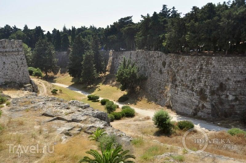 Крепостной ров Родоса / Фото из Греции