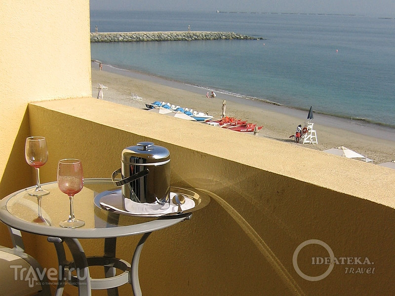 В ОАЭ спиртное лучше употреблять только в отеле / Тунис