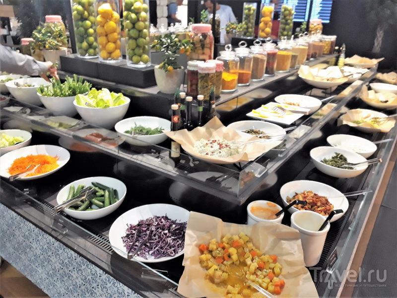 Стойка салатов и закусок, Business Lounge / Турция