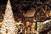 Рождественская ярмарка. // tourvacationstogo.com