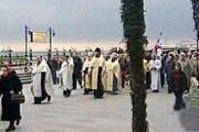 В Ялте состоялся крестный ход, в котором участвовали туроператоры и сотрудники здравниц. // НТВ