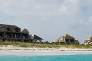 На побережье идет строительство коттеджей. // molassesreef.com