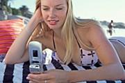 Sms-сообщение придет при включении роуминга. // GettyImages