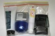 Жидкости можно проносить только в тюбиках, упакованных в пакет. // Travel.ru