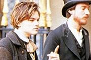 Леонардо Ди Каприо и Дэвид Тьюлис в роли Верлена и Рембо // кадр из фильма Total Eclipse