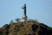 27-метровая статуя Христа в Дили // gg.cn.ua