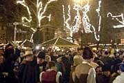 Ярмарка привлекает множество туристов. // pbase.com