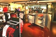 Магазин FIFA в сингапурском аэропорту // fifa.com