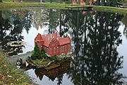 В парке представлены макеты известных чешских строений. // dmytrok.flickr.com