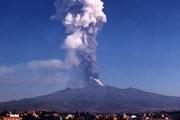Извержение вулкана не опасно для людей. // lns.infn.it