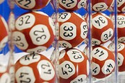 В лотерею разыграли похороны. // guardian.co.uk