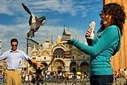 Туристов в Венеции приучат к порядку. // GettyImages
