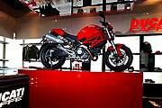 Залы ресторана украшают мотоциклы. // etoday.ru
