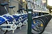 Одна из стоек с велосипедами в Стокгольме. // beta.stockholmtown.com