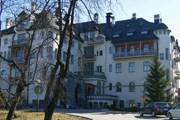 Один из корпусов отеля Valtionhotelli - настоящий замок. // А.Баринова