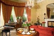 Гостиная в дублинском пансионе Ariel House. // ireland-guide.com