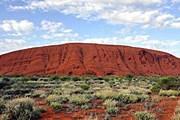 Красная скала Улуру – одна из популярнейших достопримечательностей Австралии. // AFP