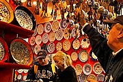 Туристы охотно посещают Турцию. // graphics8.nytimes.com