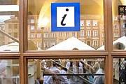 Туристический инфоцентр на Рыночной площади. // srodmiescie.warszawa.pl
