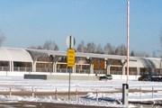 Пустынная платформа электрички в аэропорту Екатеринбурга // Travel.ru