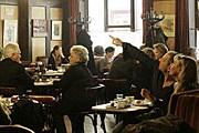 В кофейне Hawelka // AP / Lilli Strauss