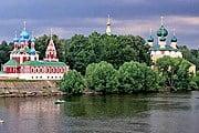 Хозяева расскажут туристам о достопримечательностях города. // hotel-uglich.ru