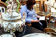 На ярмарке можно приобрести антикварные товары. // onet.pl / PAP