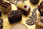 Посетители смогут попробовать разнообразные сладости. // applecorehotels.typepad.com