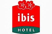 Летом проживание в отелях Ibis обойдется дешевле. // hotelvidostern.se