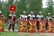 Гости фестиваля смогут почувствовать себя римскими воинами. // viking.vbrg.ru