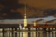 Петропавловская крепость ночью // avit-centre.spb.ru