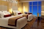 Номер в Renaissance Shanghai Putuo Hotel // marriott.com