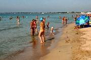 Не все пляжи Евпатории открыты для отдыхающих. // ggpht.com