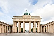 Бранденбургские ворота в Берлине // iStockphoto