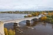 Эстонско-российская граница в Нарве не справляется с потоком туристов даже в обычные дни. // Visit Estonia