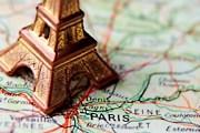 Эйфелева башня - самая популярная достопримечательность Парижа. // Istockphoto