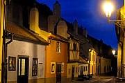 Золотая улочка - одна из достопримечательностей Праги. // flickr.com / flydime