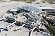Терминалы 2А и 2В аэропорта Будапешта. В центре - SkyCourt // bud.hu