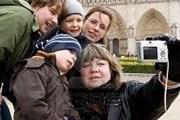 Семьи с детьми часто приезжают в Швейцарию. // 123rf.com