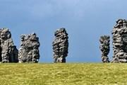 Уникальные столбы выветривания на плато Мань-Пупу-Нёр // naselo.ru