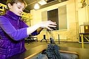 Музейные экспонаты нужно трогать руками. // metronews.ru