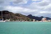 Сен-Мартен находится в северной части гряды Восточных Карибских островов. // Wikipedia
