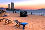 Отели стремительно наступают на пляжи. // goway.com