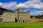 В старинном замке откроется отель. // homeatfirst.com