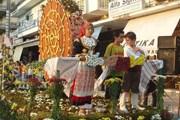По улицам пройдут цветочные парады. // anthestiria.com